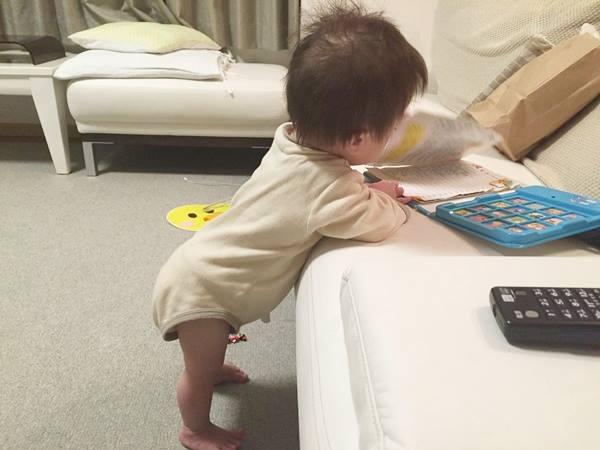 ダウン症,1歳7ヶ月,つかまり立ち,動画,イタズラ