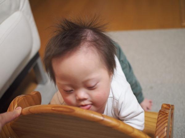 つかまり立ち,進撃の巨人,ダウン症,1歳7か月