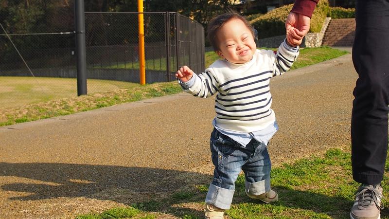 西南杜の湖畔公園,散歩,ダウン症,ブログ,アップ君,動画,いやいや